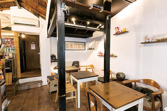 古民家を改装した店内は寛ぎやすい空間を演出。