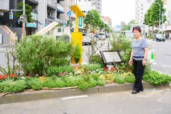 早稲田停留場をみんなで育てた四季の花でおもてなし!