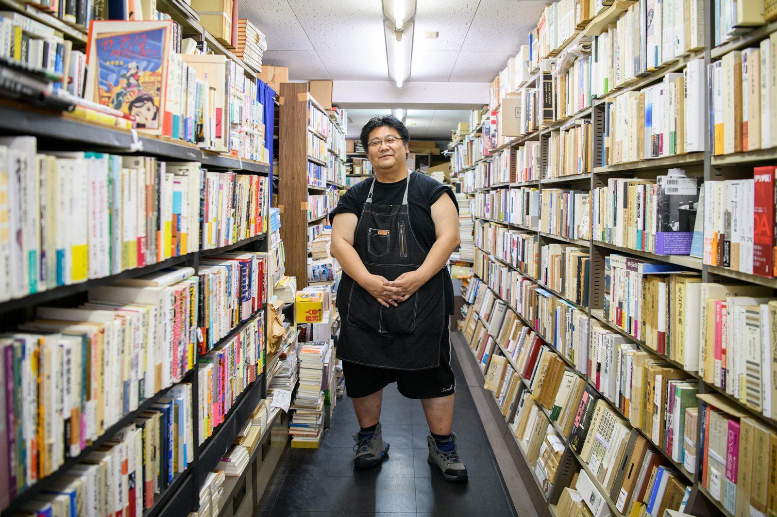 本に関わる仲間が集まり 商店街を古書店街に